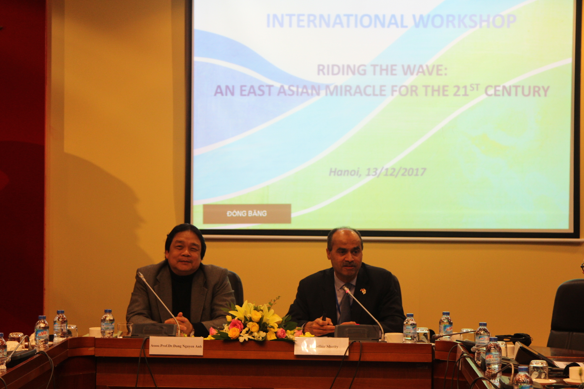 Mr. Sudhir Shetty and Assoc.Prof.Dr. Dang Nguyen Anh chaired the discussion