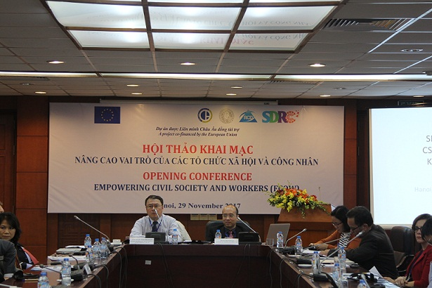 Assoc.Prof.Dr. Pham Bich San, Research and Development Consultant and Dr. Do Ta Khanh presided session 2