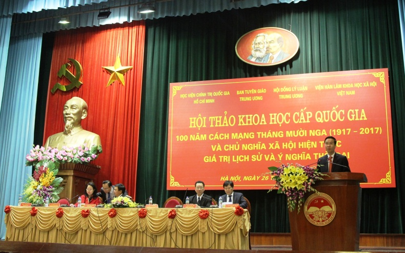 Comrade Vo Van Thuong  giving the opening speech at the workshop