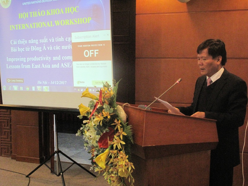 Prof. PhD. Nguyen Quang Thuan, President of VASS delivered the opening speech