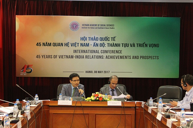 Assoc.Prof.Dr. Nguyen Xuan Trung and Prof. Virendra Kumar Malhotra presided over the Session 3