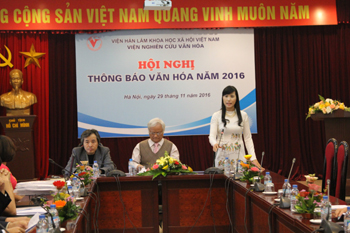 Assoc. Prof. Dr. Nguyen Thi Phuong Cham made a speech in the conference