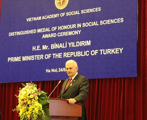 Turkish Prime Minister Binali Yıldırım spoke at the meeting